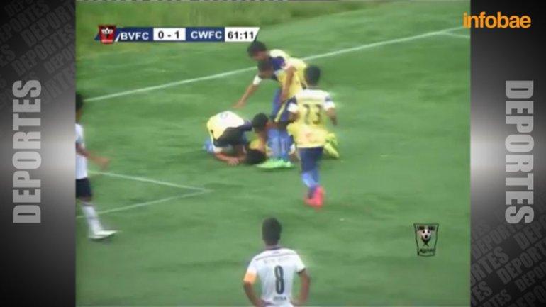 Video: futbolista indio celebró un gol y murió