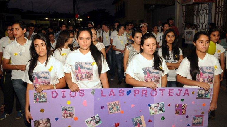 Los familiares y amigos de María José Alvarado exigieron hasta último momento la aparición con vida de la joven