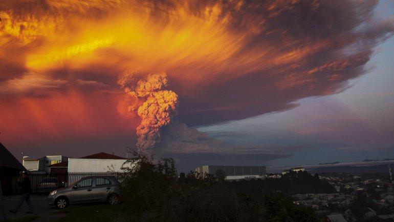 erupción del volcán Calbuco.mp4