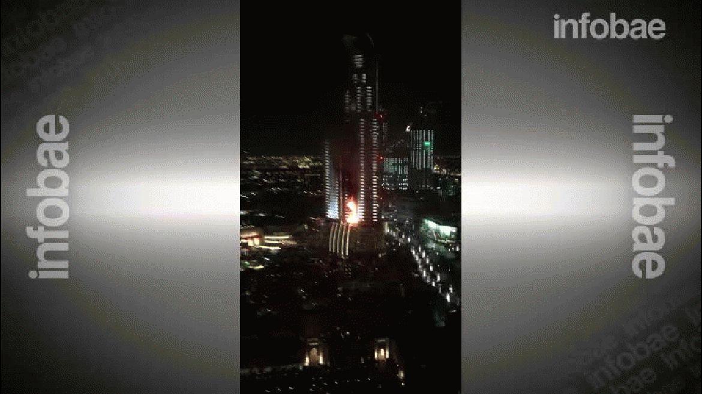 Un incendio amenaza un lujo hotel en Dubai
