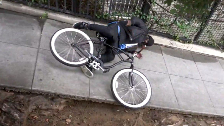 Los ladrones creían que la bicicleta era una presa fácil, pero terminaban llevándose una desagradable sorpresa