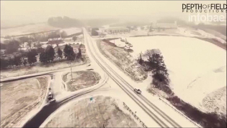 Un drone sobrevoló Knoxville, en Tennessee, en medio de la tormenta de nieve
