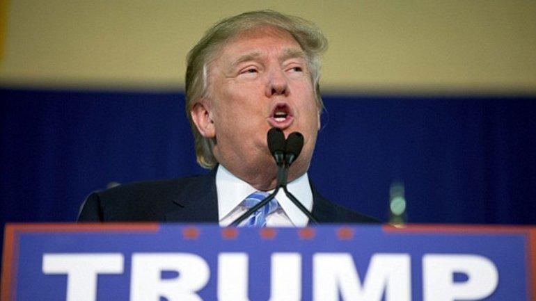El video que muestra cómo Donald Trump expulsa al hombre de turbante rojo