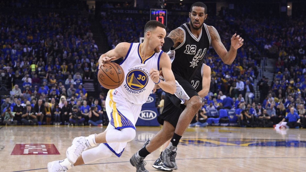 Lo mejor de Stephen Curry en el partido de Golden State Warrios y San Antonio Spurs en la NBA