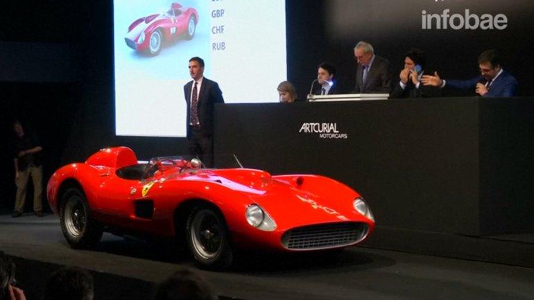 Un estadounidense pagó 35 millones de dólares por este Ferrari 335 Sport Scaglietti del año 1957