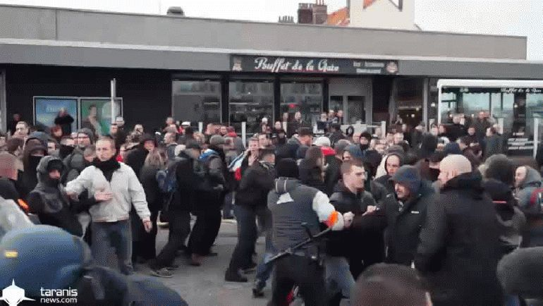 Entre los detenidos en Calais se encuentra el presidente de Pegida en Francia,Loïc Perdriel