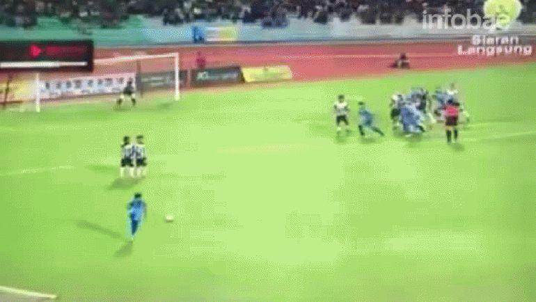 Cuando todos esperaban el centro,Mohd Faiz Subri marcó un gol que quedará en la historia