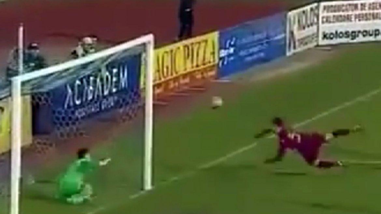 Alessandro Caparco, portero delClubul Sportiv MunicipalIasi, se lució ante el Cluj