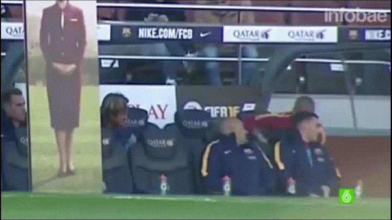Daniel Alves molestó al entrenador de arqueros, le arrojó papeles a Matheu y bromeó con Luis Suárez
