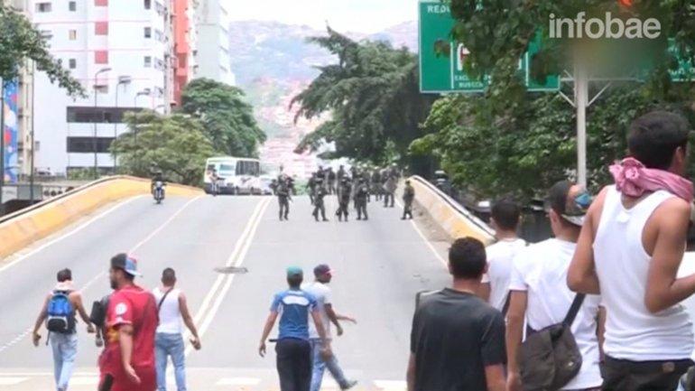 El chavismo reprimió otra manifestación pacífica en Venezuela